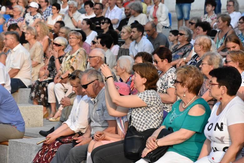 4 czerwca 2019 r. Scena Letnia Filharmonii Zielonogórskiej. Koncert z okazji 30 lat wolności.