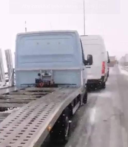 Korek na autostradzie A4 po dwóch wypadkach 19.03.2021