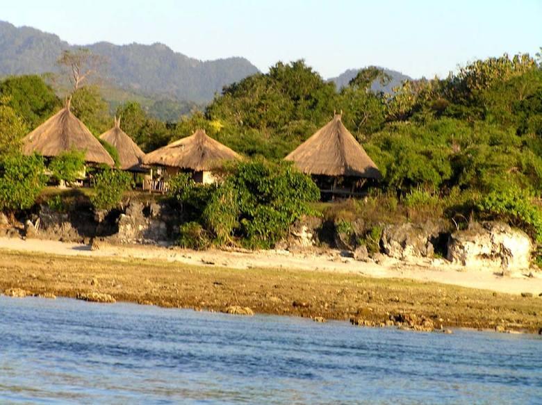 IndonezjaAlor, nasza wioska na wyspie Kapal. Reportaz o podrózach autorów zdjec mozna przeczytac Tutaj