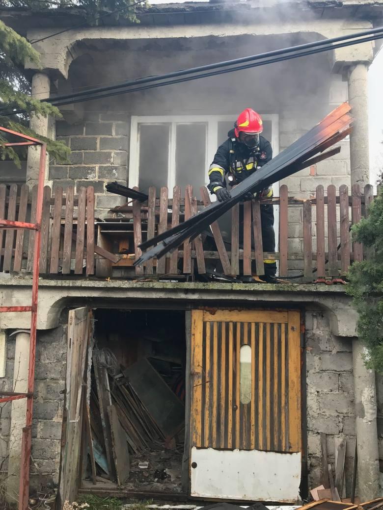 Pożar pustostanu pod Wieliczką. Utrudnienia na DW 964