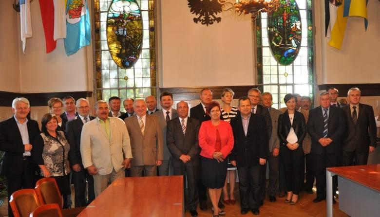 19 starostów, burmistrzów i wójtów podpisało porozumienie i utworzyło aglomerację Kluczbork , obejmującą całą północną Opolszczyznę.- Uzgodniliśmy 9