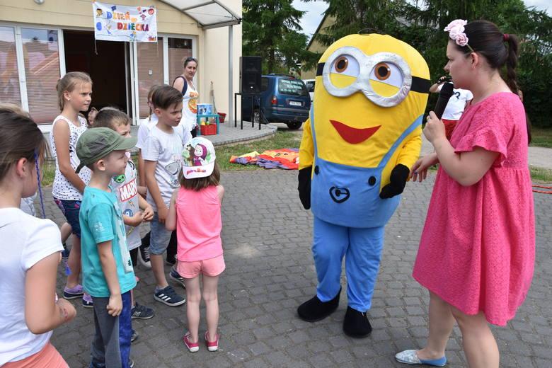 W większości gmin powiatu nakielskiego imprezy z okazji Dnia Dziecka trwać będą od piątku do niedzieli. Inaczej w Sadkach. Tu dzieci zaproszono  wcześniej