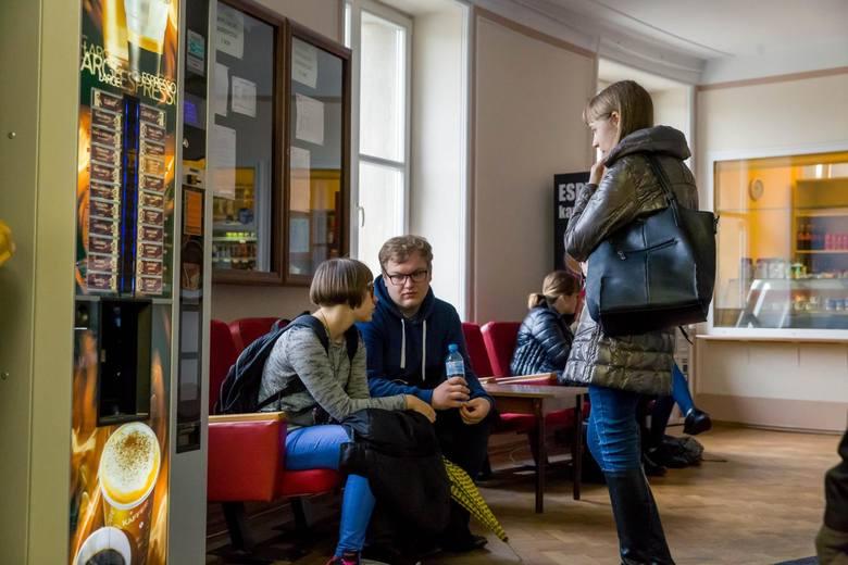 Białystok wśród ośrodków akademickich wyróżnia się różnorodnością kierunków. Jak na stolicę województwa podlaskiego przystało, jest on też stolicą edukacyjną.