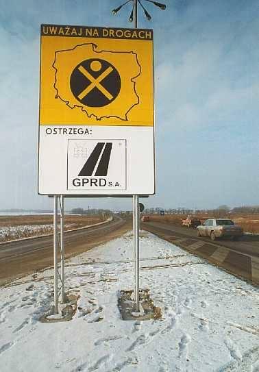 """Oznaczenie niebezpiecznego miejsca """"czarnym punktem"""" wpływa pozytywnie na wielu kierowców, którzy zdejmują nogę z pedału gazu. Ilość"""