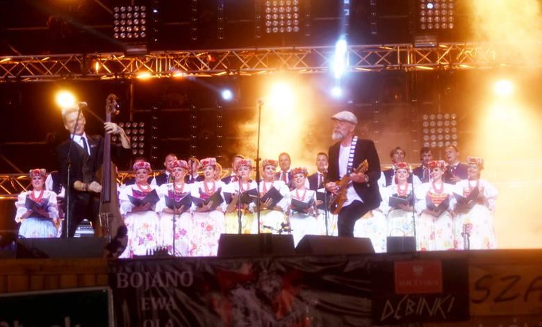 W czwartek 2 sierpnia około północy na Dużej Scenie Festiwalu PolAndRock pojawił się Wojciech Mazolewski z Zespołem Pieśni i Tańca Śląsk.To było wyjątkowe