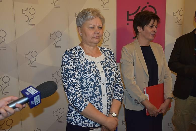 Od lewej: Lila Hebel, kierownik Oddziału Ewidencji Ludności UMŁ i Katarzyna Korowczyk, dyrektor Wydziału Organizacyjno-Administracyjnego UMŁ. Urzędniczki