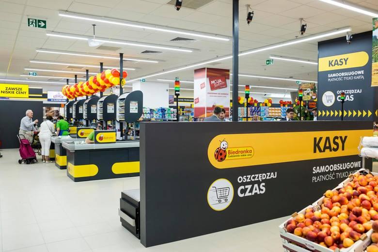 ZAROBKI W BIEDRONCEOsoby na stanowisku kasjer-sprzedawca w Biedronce otrzymują od 3,2 tys. do 3,6 tys. zł brutto miesięcznie. W tę kwotę zliczone są