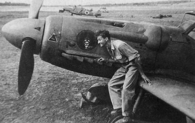 Ezer Weizmann przy samolocie Avia S-199
