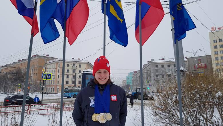 Ola Bednarek z medalami w zimowym Murmańsku