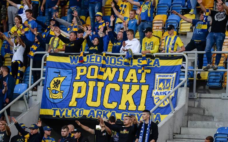 Kibice na I-ligowym meczu Arka Gdynia - Puszcza Niepołomice