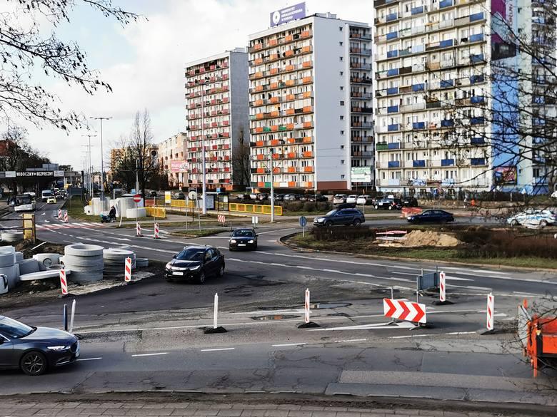 W sobotę 15 lutego rozpocznie się kolejny etap prac związanych z przebudową pl. Rapackiego i jego otoczenia. Na pl. Niepodległości i ul. Kraszewskiego,