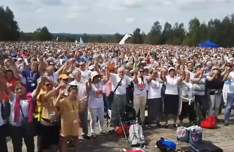 Pielgrzymi z diecezji radomskiej dotarli na Jasną Górę. Wszystkie grupy spotkały się na Przeprośnej Górce