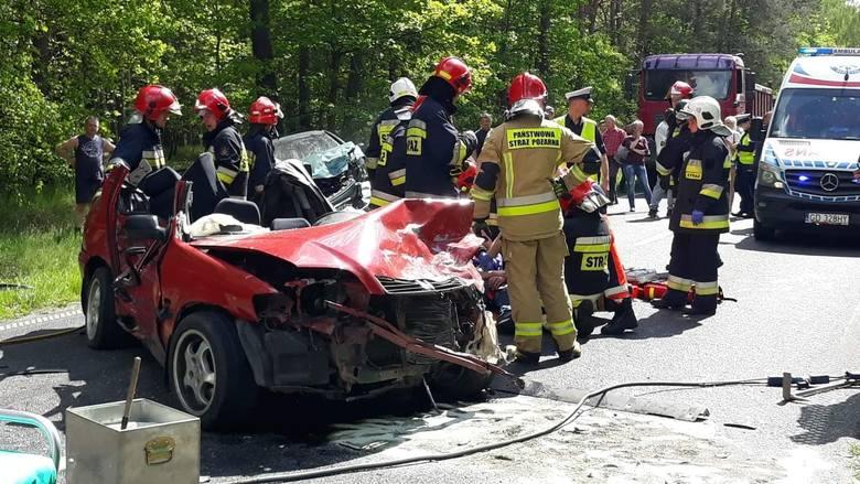 Niedaleko Kcyni na drodze wojewódzkiej nr 241 przed godz 15 doszło do groźnego wypadku drogowego. Droga jest zablokowana.Flash INFO, odcinek 15 - najważniejsze
