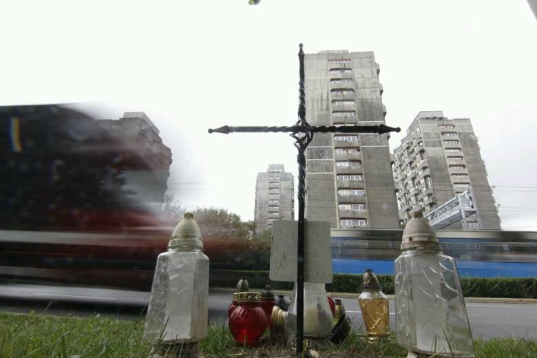 Wrocław: Na placu Grunwaldzkim stanął krzyż (ZDJĘCIA)