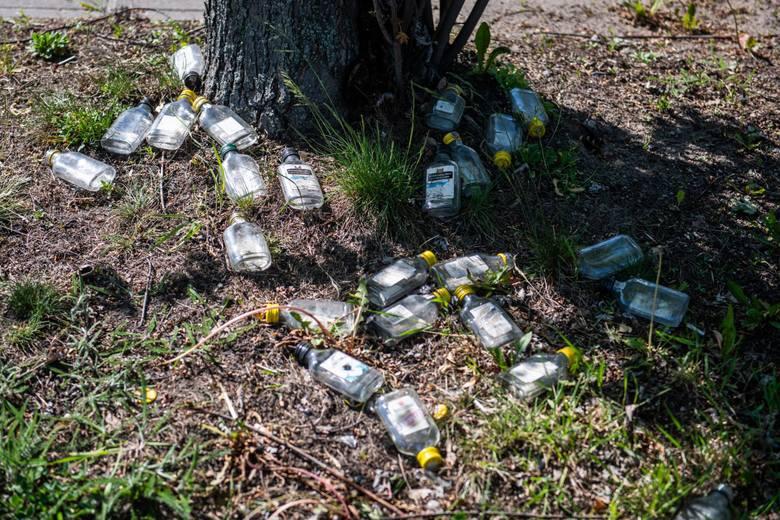 Codziennie Polacy kupują od 1,5 do 3 mln butelek wódki o  pojemności 100 i 200 ml