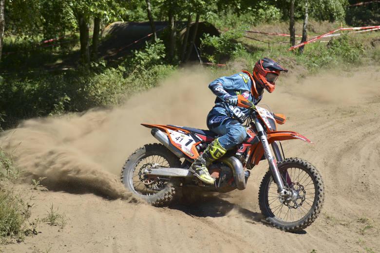 W niedzielę 23.06 w Dolinie Charlotty odbyła się druga część zawodów motocyklowych enduro. W sobotę, pierwszego dnia zawodów, motocykliści rywalizowali