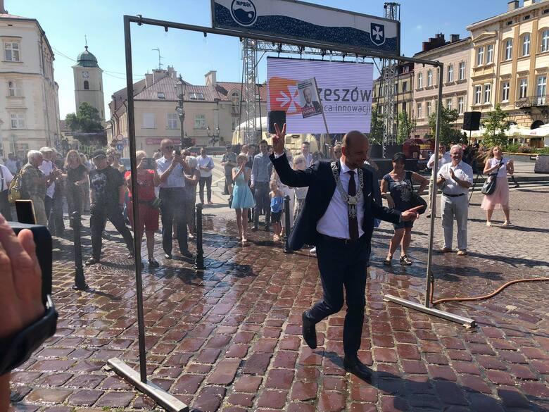 Konrad Fijołek złożył ślubowanie na prezydenta: to będzie kadencja z rzeszowianami i dla rzeszowian