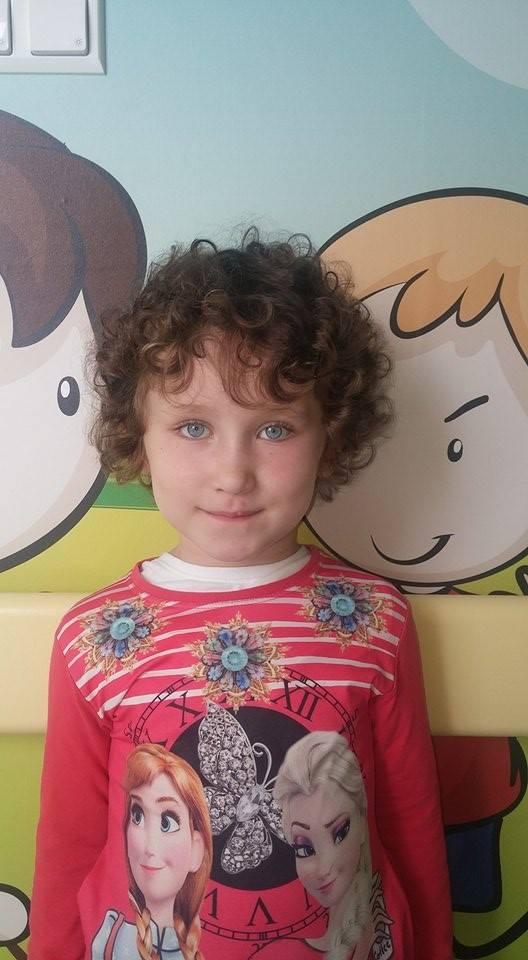 9-letnia Faustynka walczy z nowotworem. Potrzebuje pomocy