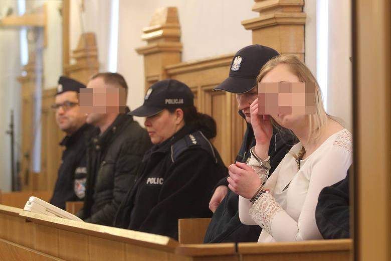 Prokurator oskarża: Grzegorz B. zabił, matka się znęcała. W Rzeszowie rozpoczął się proces o zabójstwo półrocznego Maksa