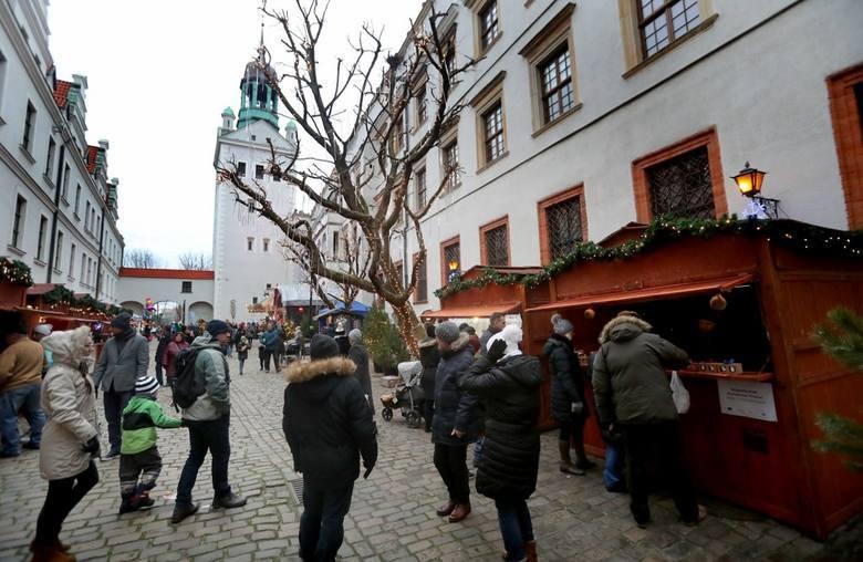 Jarmark świąteczny na Zamku Książąt PomorskichW drugi weekend grudnia na jarmark bożonarodzeniowy zaprasza Zamek Książąt Pomorskich. Stoiska czynne będą