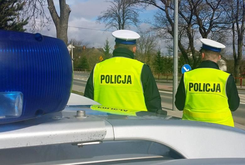 W miejscowości Stryjaki mundurowi zatrzymali kierującego samochodem osobowym marki alfa romeo