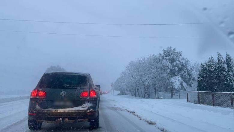 Śnieżyca na Podkarpaciu, trudne warunki na drogach w regionie [ZDJĘCIA INTERNAUTÓW]