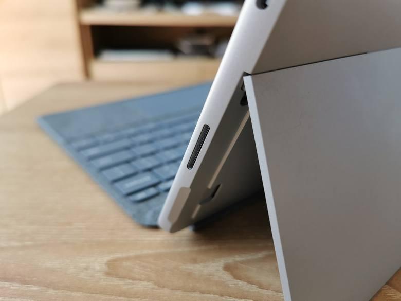 Surface Go 2, niewielkie i mobilne urządzenie 2 w 1 Microsoftu. Test, recenzja