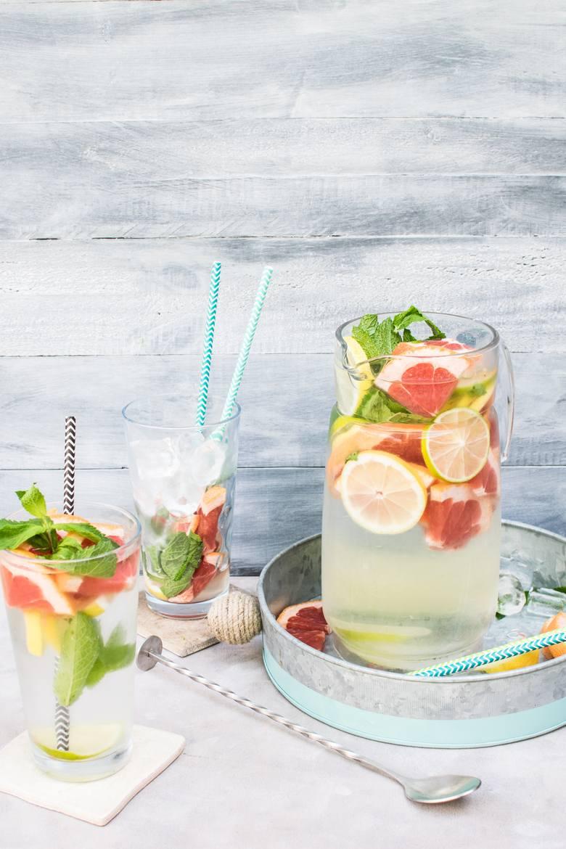 Odkwaszanie organizmu – kluczem jest odpowiednie spożycie wody, warzyw i owoców