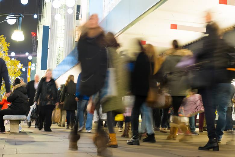 W 2015 r. w Londynie pracowało ok. 5,2 mln osób (w 2005 r. 4,3 mln), z czego 38 proc. pochodziło spoza Wielkiej Brytanii.