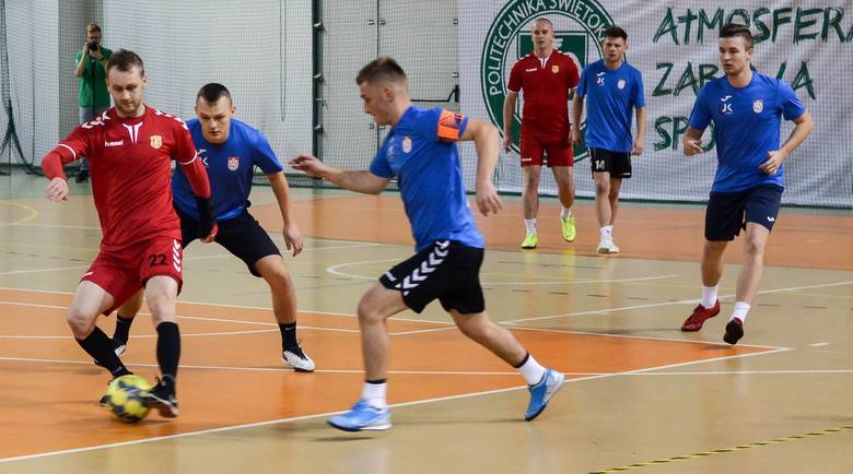 W niedzielę rozegrane zostały spotkania ósmej kolejki Kieleckiej Ligi Futsalu. Jak powiedział nam główny organizator Artur Obarzanek, było sporo emocji.Lider