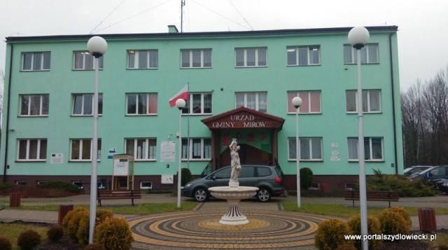 27 maja 1990 roku odbyły się pierwsze wybory do samorządu terytorialnego w Polsce, po 40 latach przerwy. W Mirowie wybieraliśmy Radę Gminy, która następnie