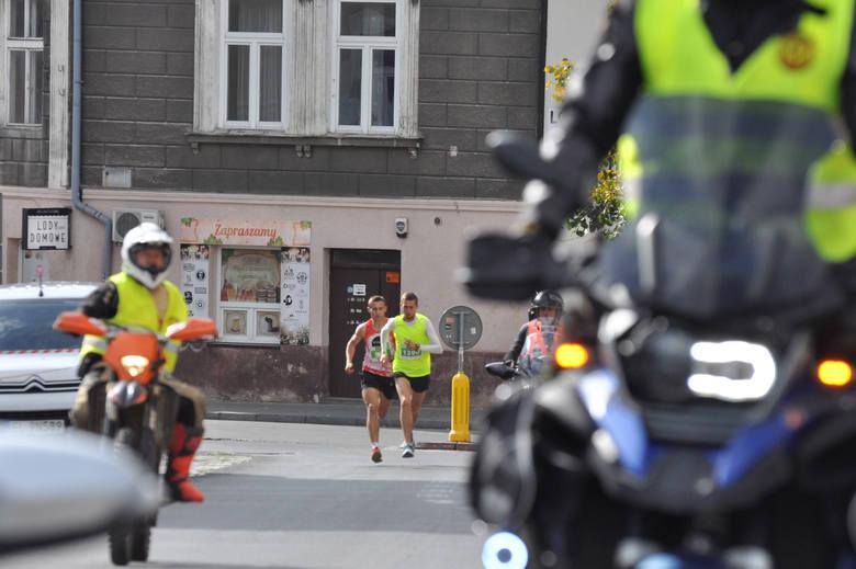 Kraków. Bieg Trzech Kopców 2019. Malownicza trasa i trzy tysiące biegaczy. Rekord! [ZDJĘCIA UCZESTNIKÓW]