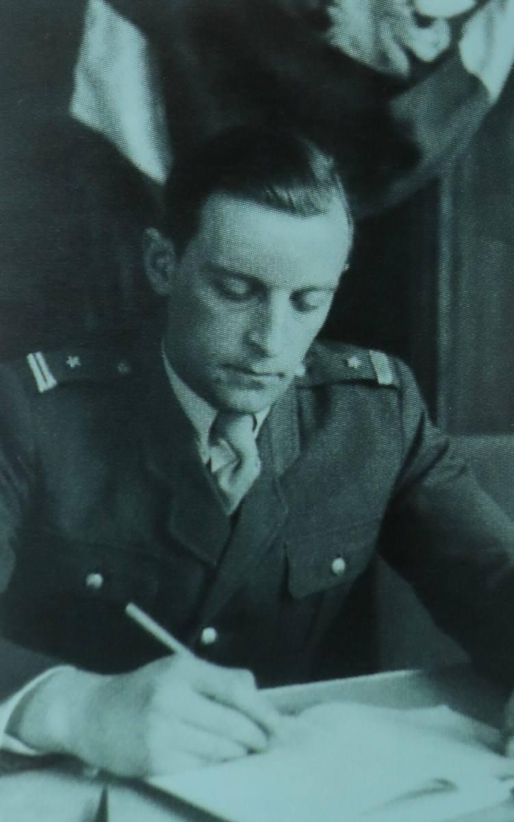 Zdjęcie z okresu po likwidacji szpitala mjr. Władysława Barcikowskiego, lekarza naczelnego, naczelnego chirurga, pełniącego obowiązki Komendanta Szpitala Polowego  nr 250
