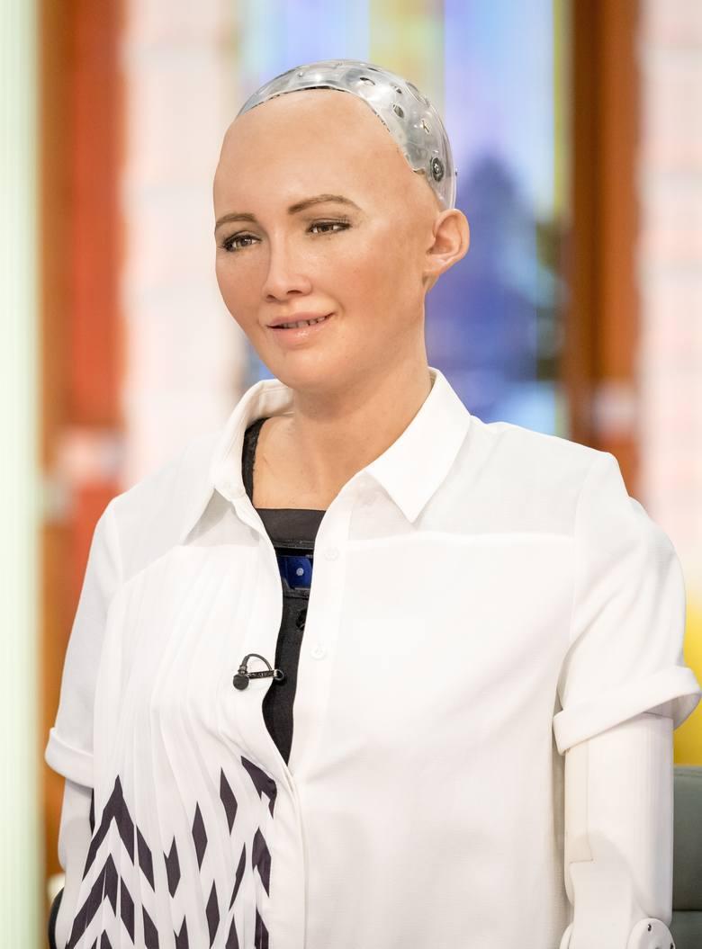 Robot Sophia dostał ludzkie obywatelstwo. Sztuczna inteligencja coraz mocniej wkracza w nasze życie