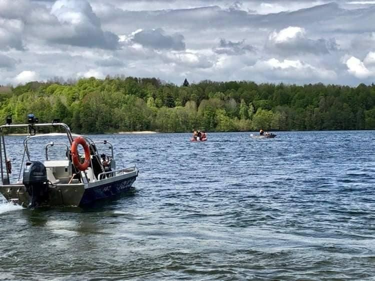 Poszukiwania nurka w jeziorze Hańcza