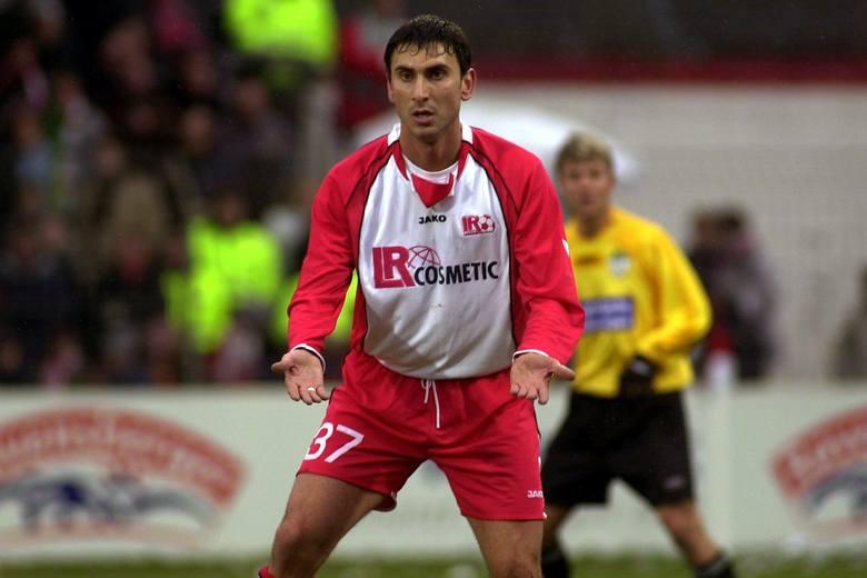 Razem z Legią Warszawa zdobył Mistrzostwo Polski i Puchar Ligi w 2002 roku, a w 2003 roku zapisał się na stałe w historii polskiej piłki, stając się