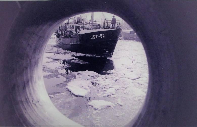 W porcie Ustka były kry lodowe na kursie.