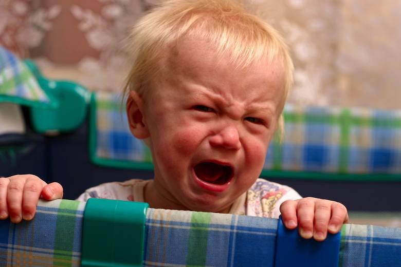 """Historia Piotra Szostka z Torunia - ojca skarżącego się, że matka dziecka od 2 miesięcy blokuje mu kontakty z nim - wywołała falę zgłoszeń. """"Mamy"""