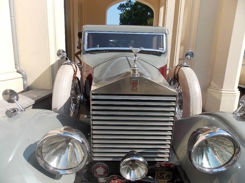 Zlot Rolls Royce & Bentley w Pałacu Mierzęcin