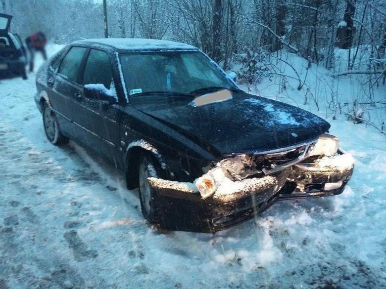 Wypadek zablokował drogę w dolinie Popradu [ZDJĘCIA]