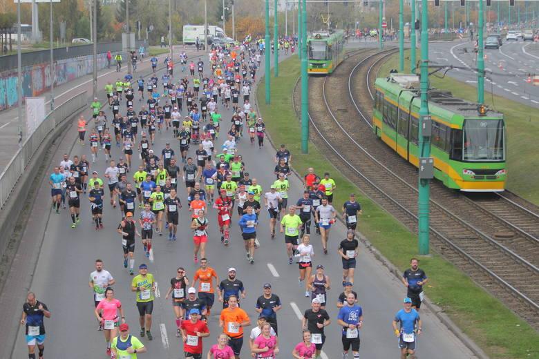 W ubiegłym roku 6072 uczestników cieszyło się ze zdobycia koronnego dystansu w jubileuszowej edycji 20. PKO Poznań Maratonu im. Macieja Frankiewicza