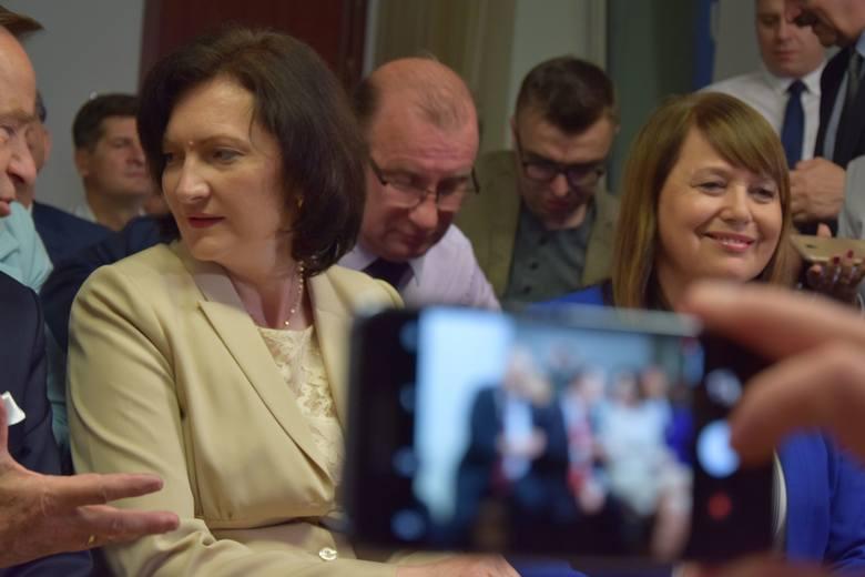 Wybory do Parlamentu Europejskiego 2019. Radość w sztabie PiS w Rzeszowie [FOTO, WIDEO]