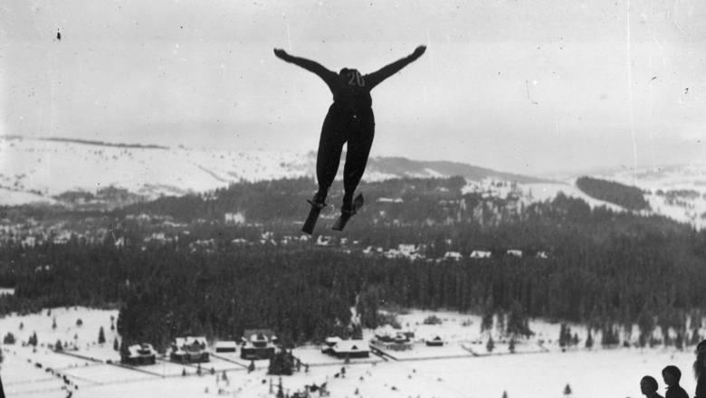 Pierwszy konkurs o mistrzostwo Polski w skokach narciarskich odbył się w 1920 roku. Gwiazdą polskich skoków narciarskich był Stanisław Marusarz, który