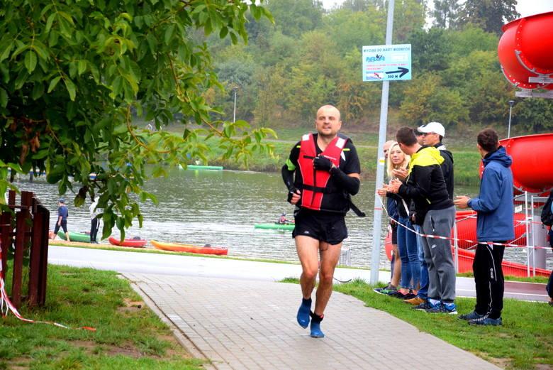 II Triathlon nad Zalewem Zadębie w Skierniewicach [ZDJĘCIA]