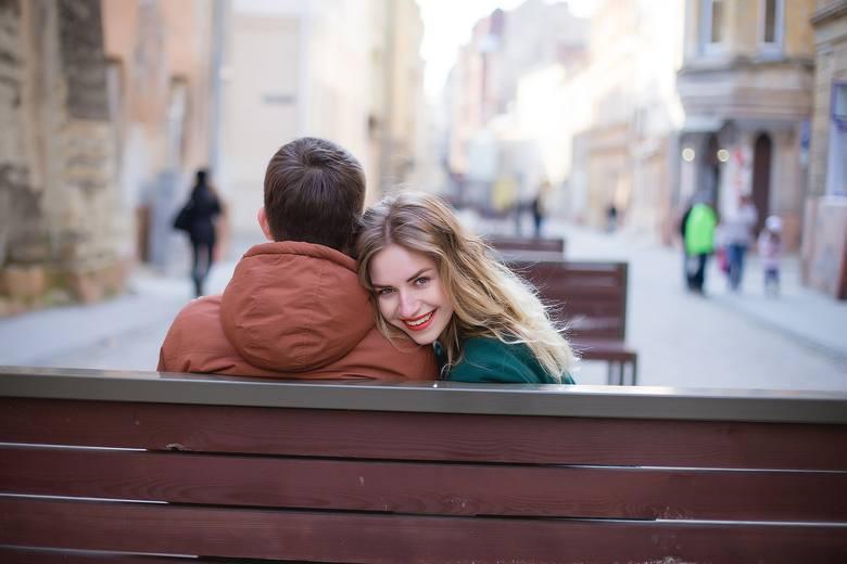Walentynki to święto zakochanych obchodzone 14 lutego. Ten dzień pary starają się spędzić w szczególny sposób. W Łodzi możliwości jest sporo, na część