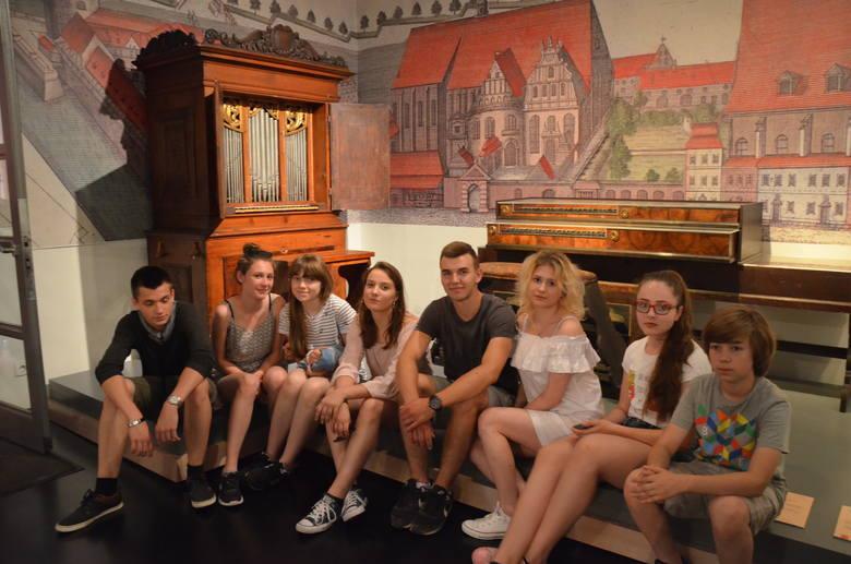 Państwowa Szkoła Muzyczna I i II st. im. Juliusza Zarębskiego w Inowrocławiu, w ramach programu POWER na zasadach Erazmus+, realizuje w muzycznych instytucjach