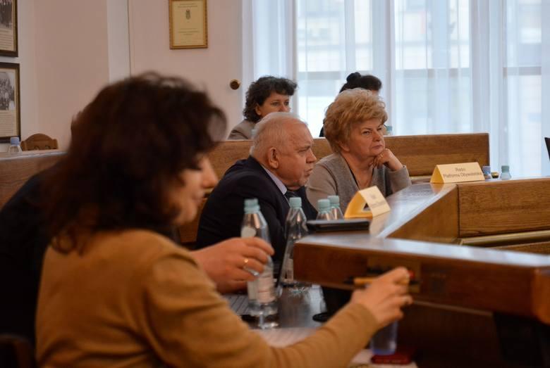 Reforma oświaty: Radni przyjęli uchwałę w sprawie nowej sieci szkół