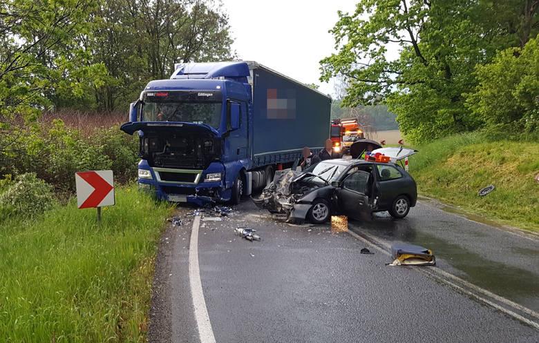Wypadek pod Wrocławiem. Pięć osób rannych, w tym jedna ciężko