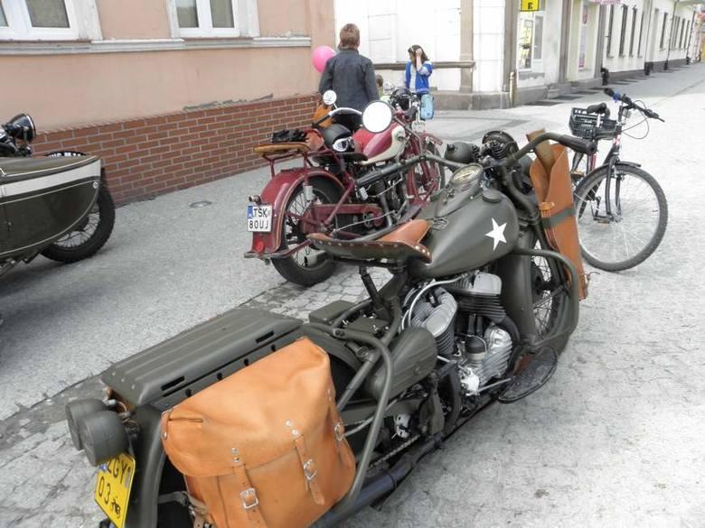 Ural w Gnieźnie. Rajd motocykli zabytkowych
