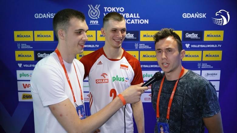 Maciej Muzaj (w środku) musiał zmierzyć się z pytaniami Norberta Hubera (z lewej) i Pawła Halaby.